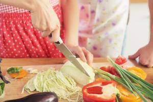 女性ホルモンを減らす食べ物を食べる