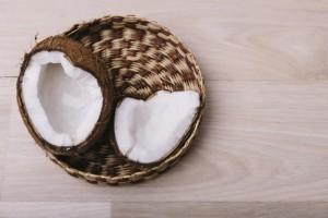 ココナッツミルクの美容効果とは
