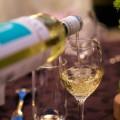 赤ワインだけじゃない!白ワインでデトックス!白ワインでむくみがとれる?