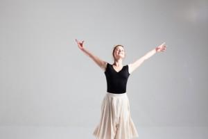 バレエの基本的な動きを取り入れたもの。