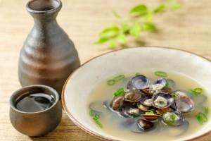 シジミのお味噌汁と日本酒