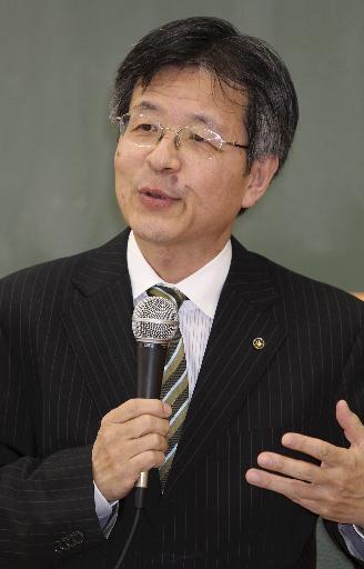山崎教授2.jpg