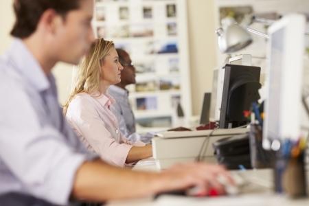 中小企業・ベンチャー企業を支える3つの社内業務の基本と業務効率化のヒント