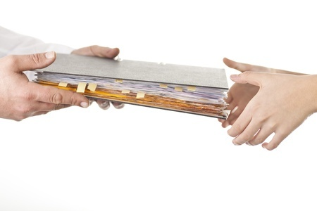 スムーズな業務引継ぎ計画の作り方と5つのポイント