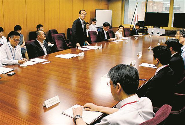 熱中症抑制へ連携強化/救急搬送増え関係省庁が連絡会議