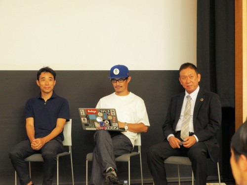 トークセッションに登壇したスピーカー。左からgluonの金田充弘 東京芸大准教授、同・豊田啓介氏、KUMONOSの中庭和秀代表取締役