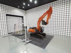 日立建機 土浦工場に国内最大級の電波暗室を新設