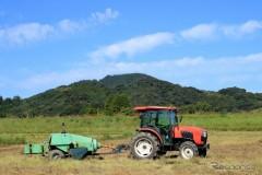 トレーラータイプの農作業機の公道走行を解禁へ 国交省