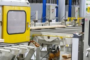 羽柄材を作る機械、寄り