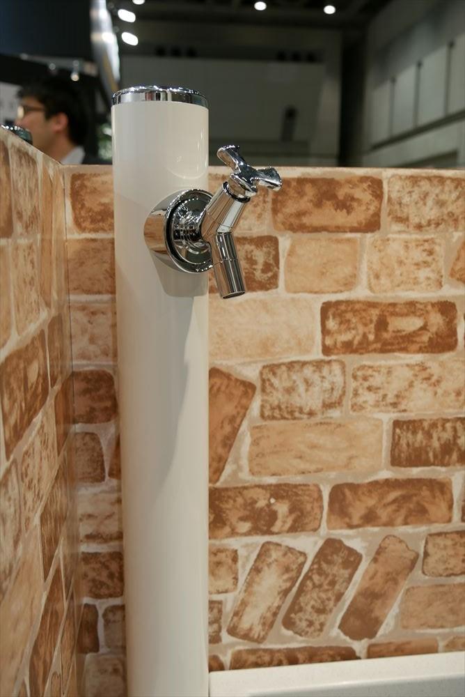 丸形アルミ水栓柱 ホワイト