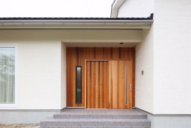 大和屋木製玄関引き戸 施工例1
