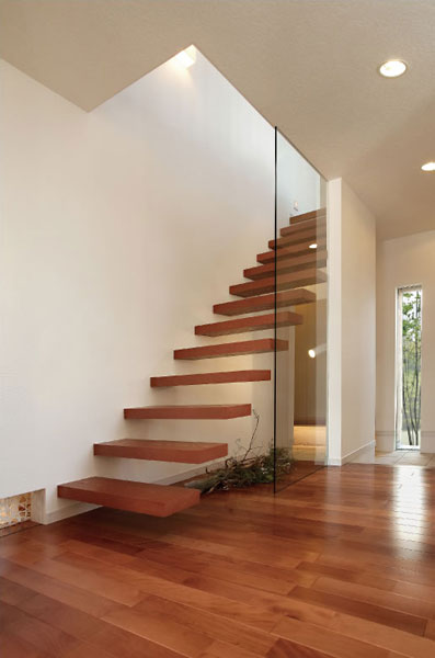 アイネクストの階段