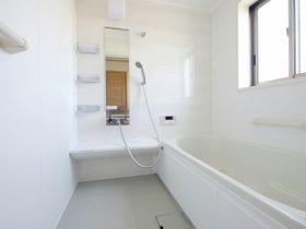 浴室ドアの交換方法