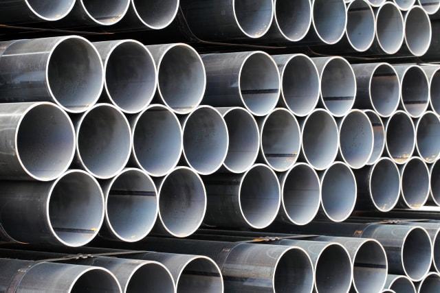 積層された鋳鉄管