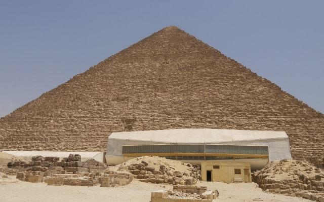 石を使った建築 ピラミッド