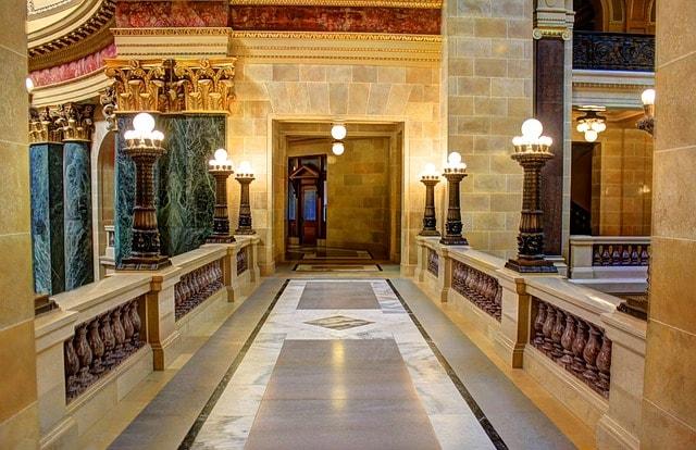 大理石の廊下
