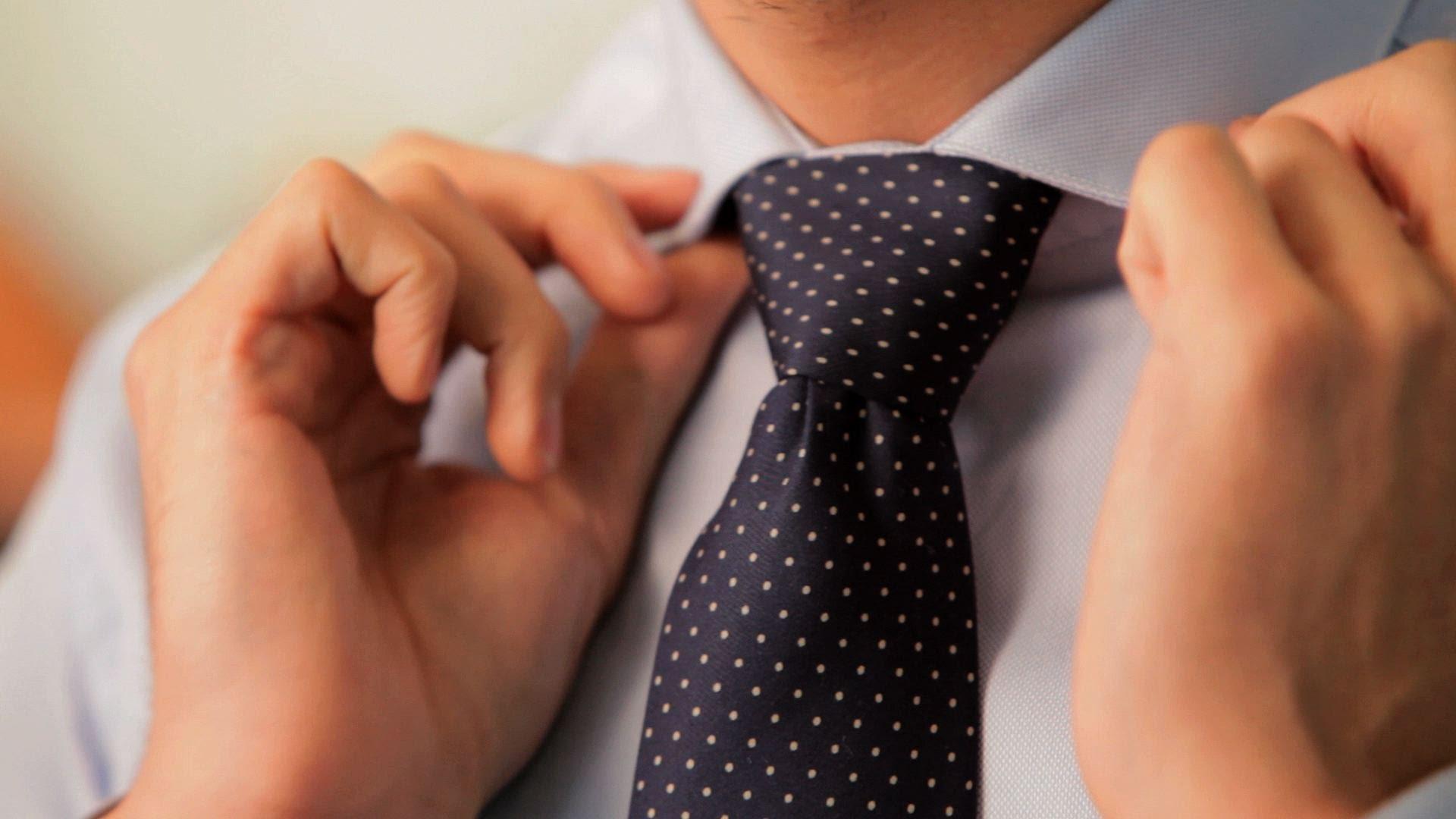 英国紳士風ネクタイ『ウィンザーノット』の結び方