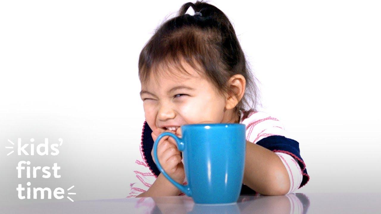 初めてコーヒーを飲んだ子どもたちの可愛い反応