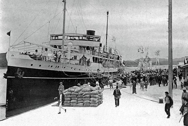 昭和2年(1927年) 文里港埠頭の風景