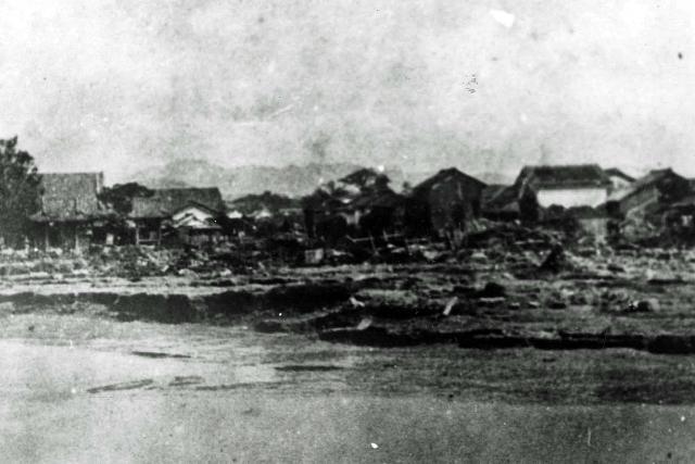 明治22年 大水害・紺屋本町、左浄行寺の状況