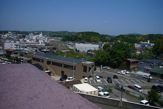 つぶり阪から田辺駅を望む