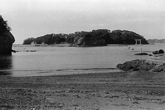 大正14年(1934年) 元島コンクリーの鳥居が完成