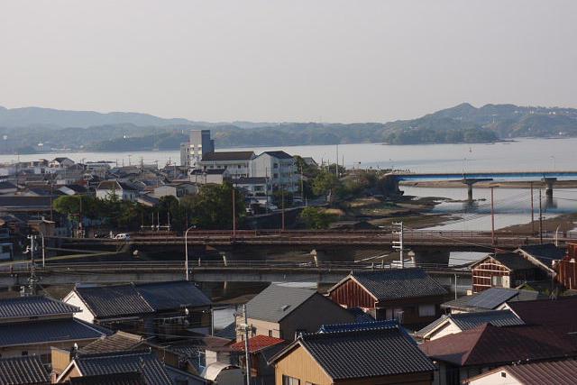 上ノ山から会津橋を望む
