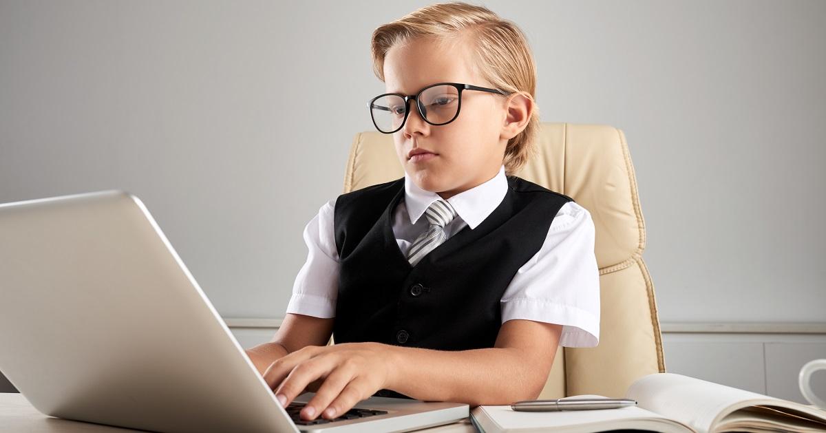 プログラミングと英語をセットで学ぶ。将来必要な2大スキルが、互いの学びを広げるのに効果的な理由