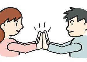 お互いの両手をたたく