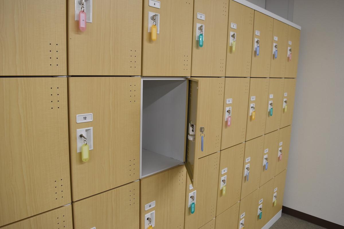 日販図書館選書センターのロッカー