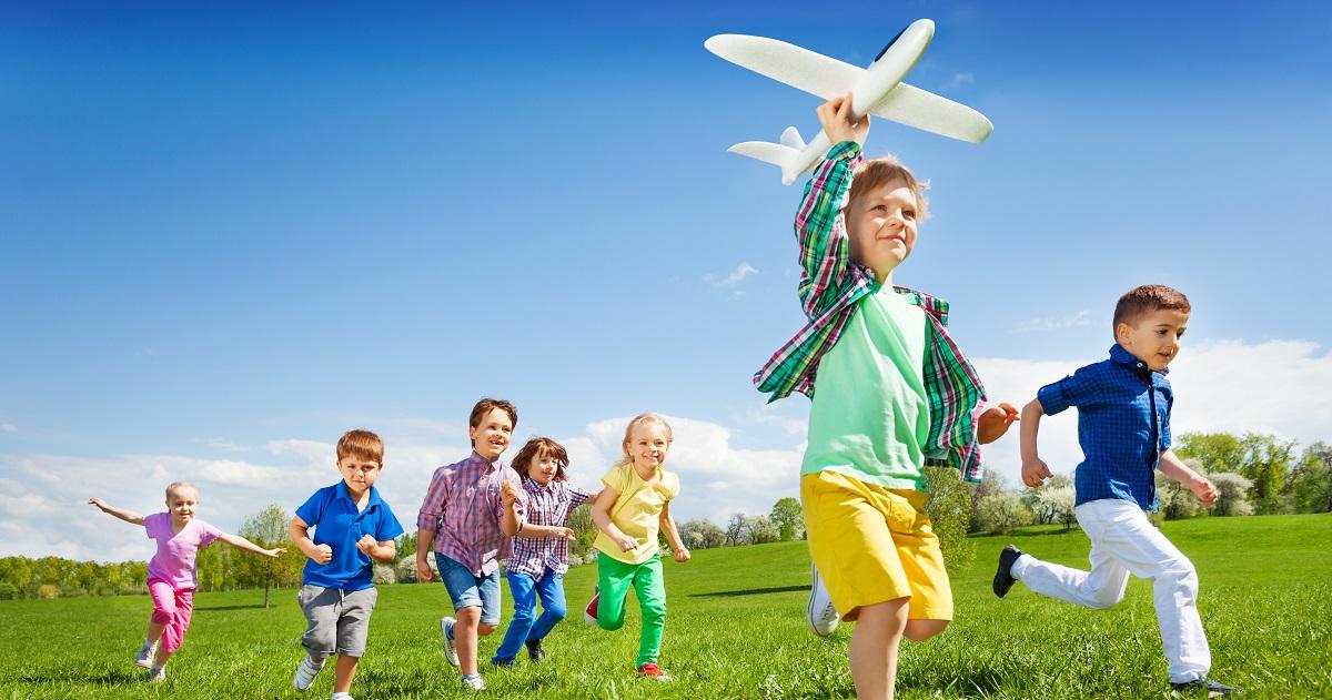 リーダーになる子の特徴とは? リーダーシップを育てるコツ