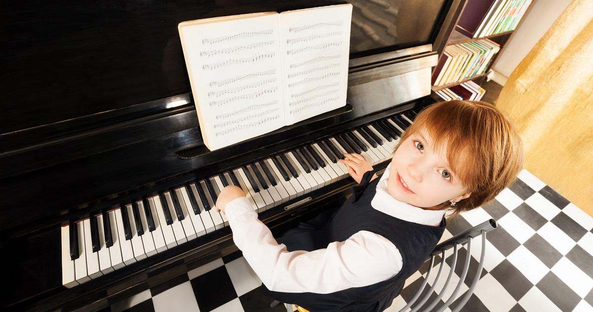脳機能がまんべんなく鍛えられる! 学力や運動能力も上げてくれる「ピアノ」のすごい効果