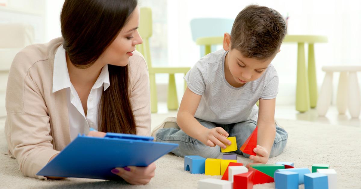 ピアジェの心理学を知れば、子どもの発達がよく分かる!? 有名な「4つの発達段階」をまとめてみた