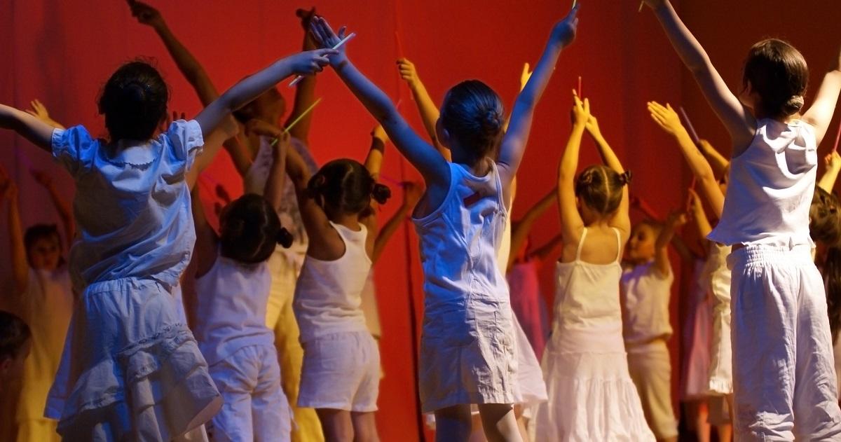 「コミュニケーション能力」もアップする! ダンスが子どもの成長に与える効果。