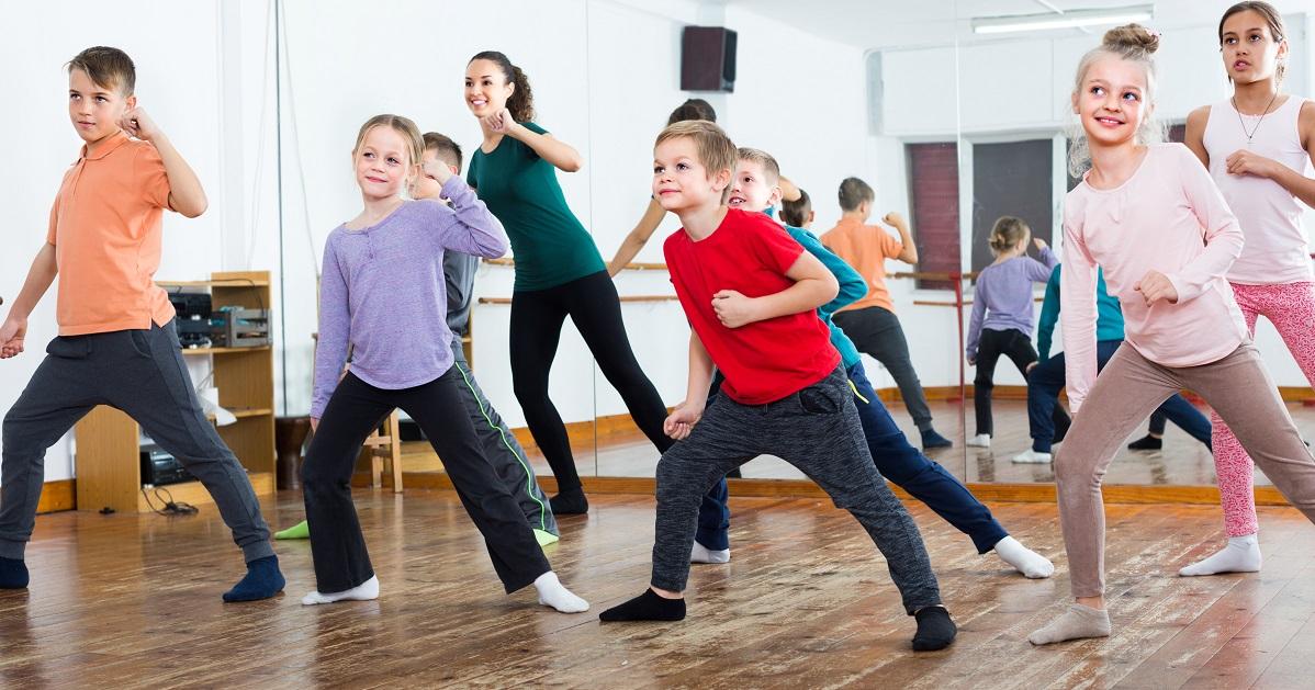 恥ずかしがり屋の子がダンスを好きになる4ステップ。親が言ってはいけない言葉とは?