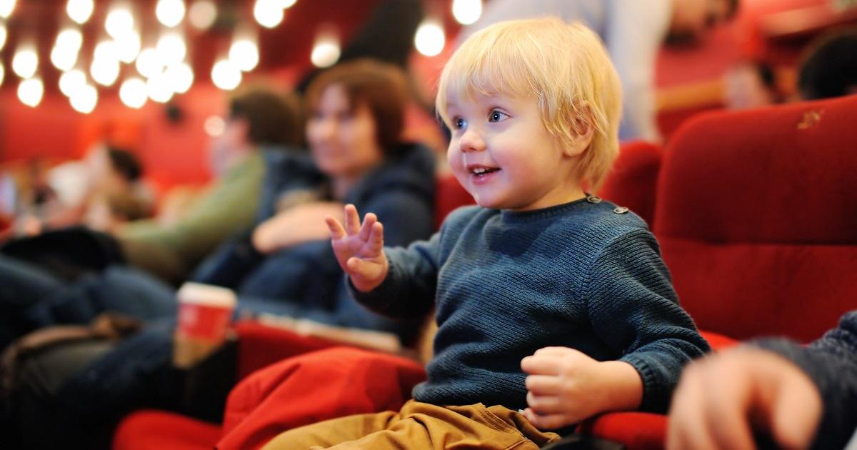 観劇に出かける親子は驚異的に少ない。メリットだらけの演劇鑑賞、しないなんてもったいない!