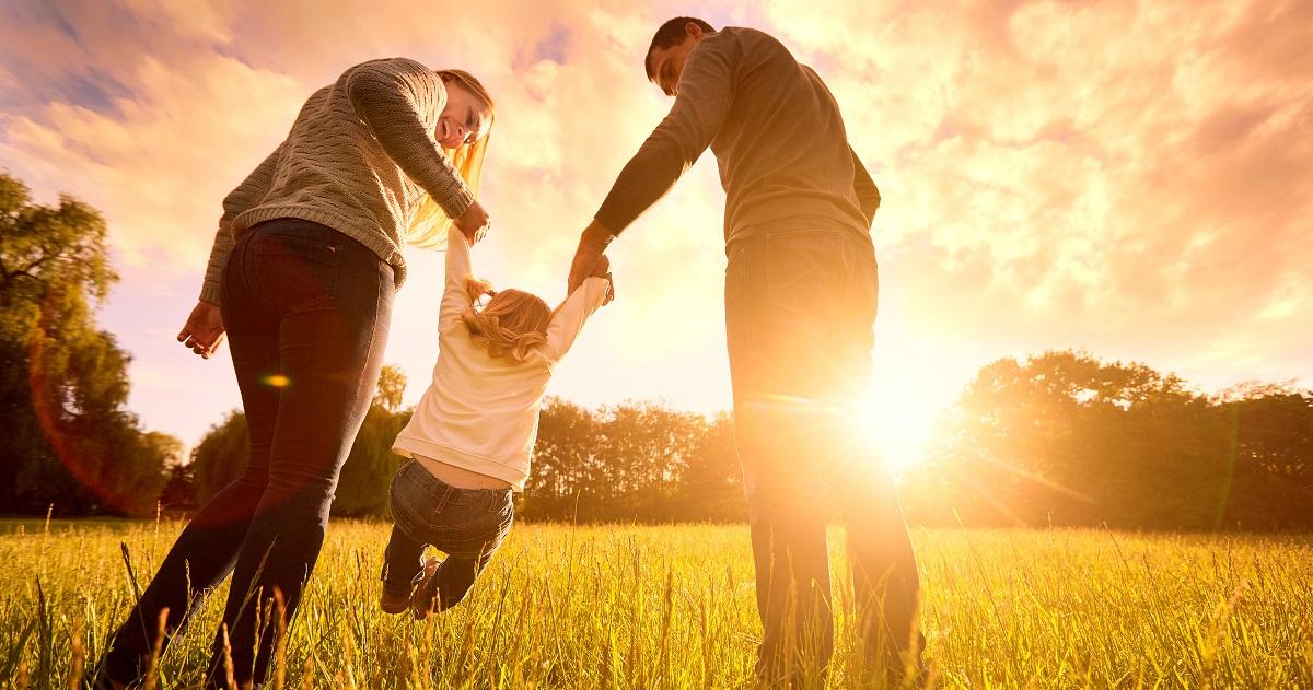 「立ち上がる力」を持つ、自己肯定感が高い子どもの親に共通する2つの特徴
