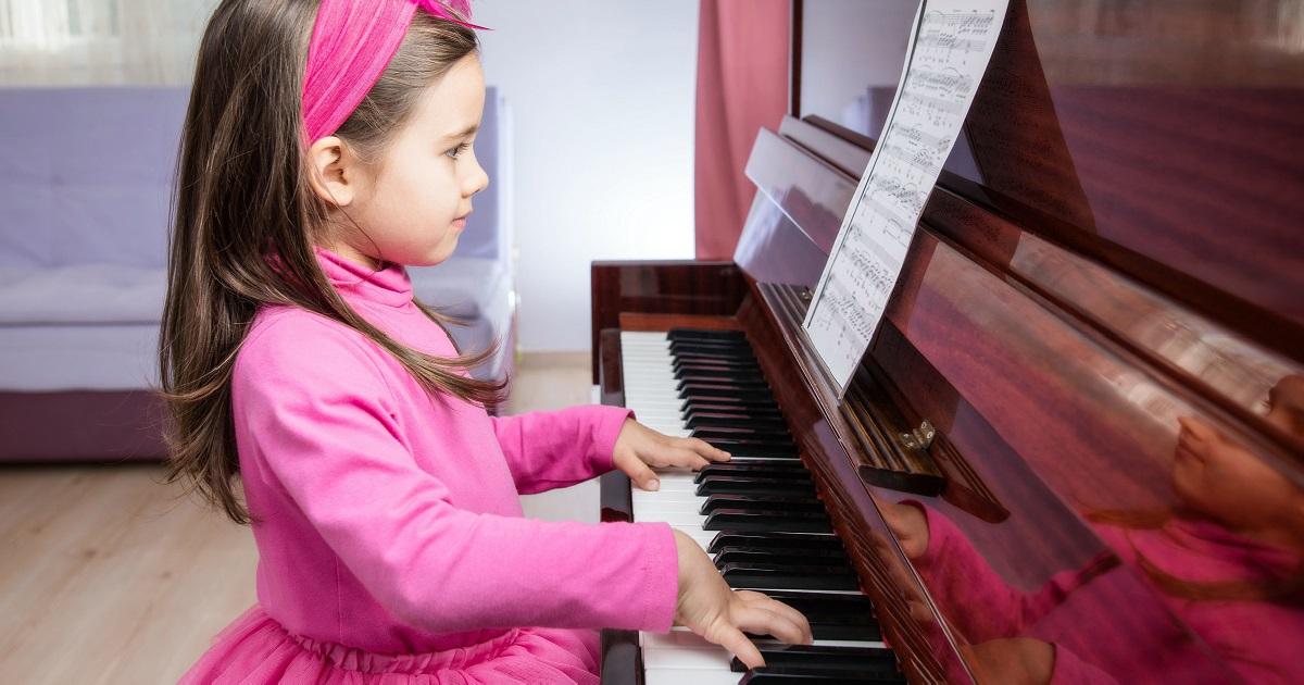 ピアノは何歳から始めるべき? 脳科学から徹底的に考えてみた。
