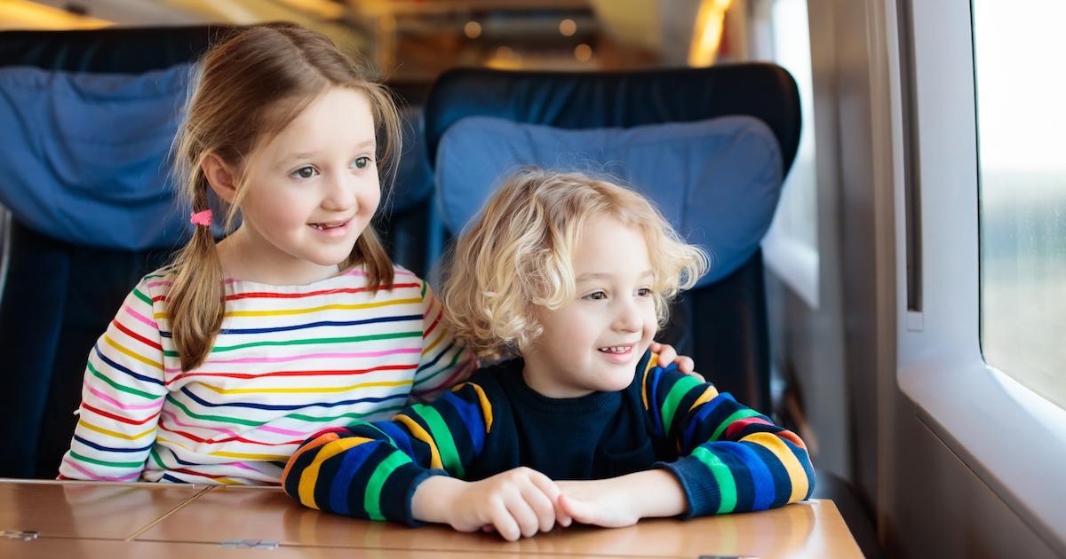 長距離移動中に子どもの聞き分けが悪くなるのには理由があった!【年齢別 伝わる言葉かけ】