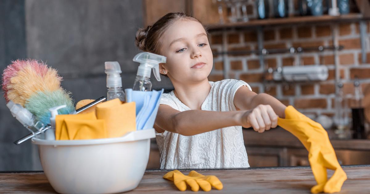 お手伝いの習慣が学力アップにつながる! 子どもの自己肯定感を高める4つのヒント。