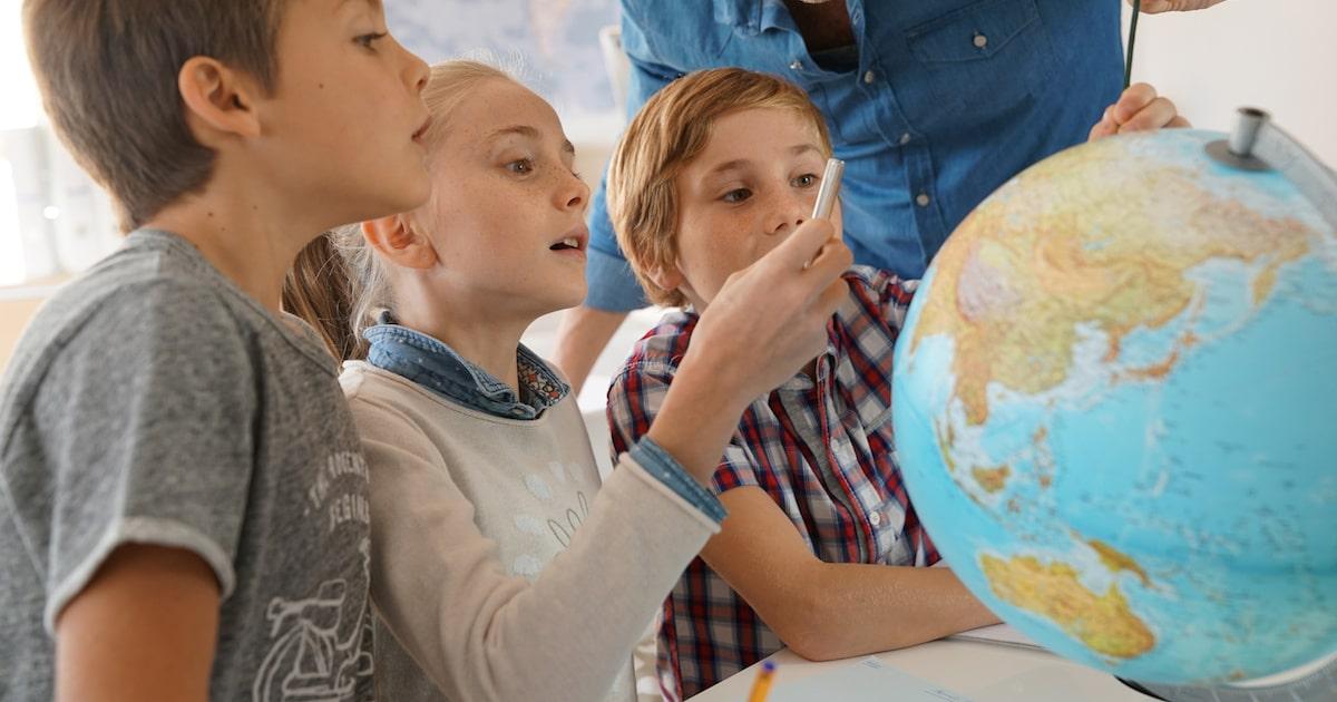 賢い子の家に必ず「辞書」「地球儀」「地図」「図鑑」がある理由5