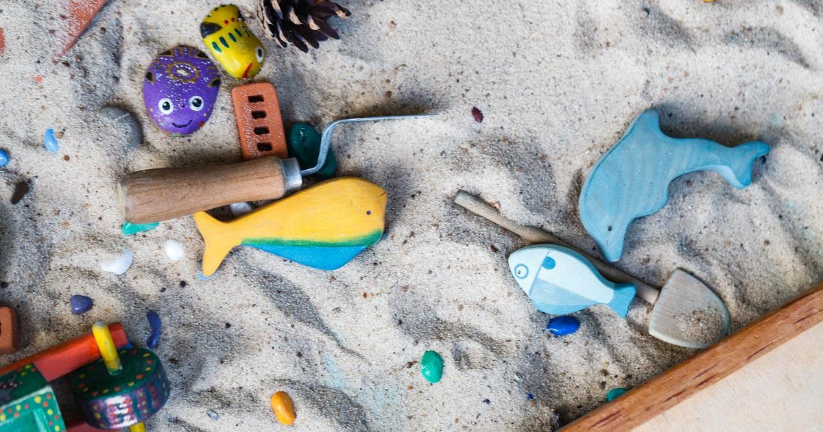 """メリットだらけの「砂遊び」! 集中力も運動能力も高められる砂場は""""最強の遊び場""""だった"""