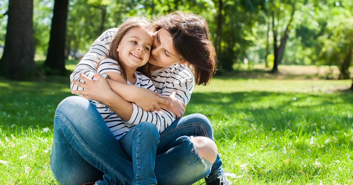 """「大好きだよ!」で子どもは育つ。""""愛されている自覚""""が自己肯定感を高め、勉強姿勢までも変える"""