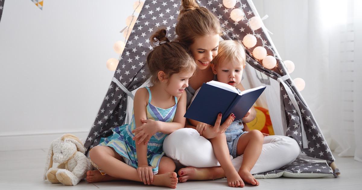 想像力を高めるには「棒読み」が有効!? 読み聞かせの新常識とは