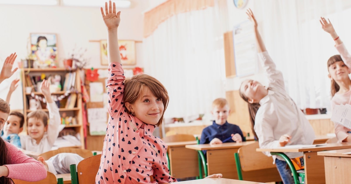 子どもが授業中に手をあげないのは○○が原因。親が意識するべき3つのポイント