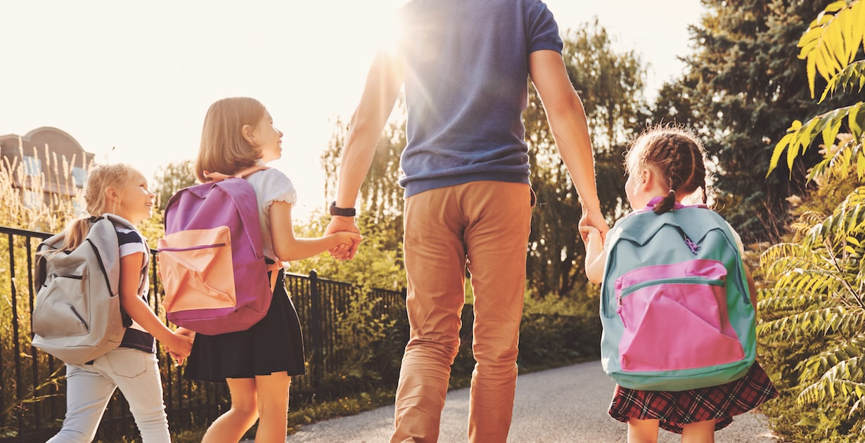 子どもの自己肯定感を左右する、親の「比べる病」。比べられた子どもはどう育つ?
