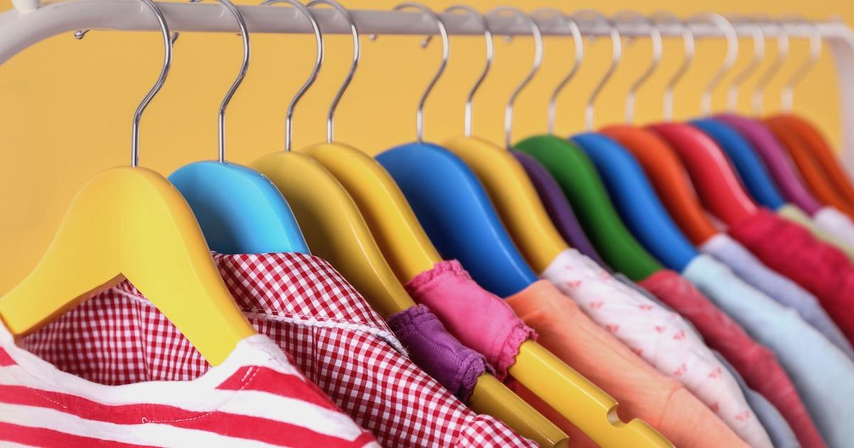 子どもが着る服、自分で選ぶと「自己肯定感が上がって頭も良くなる」!?