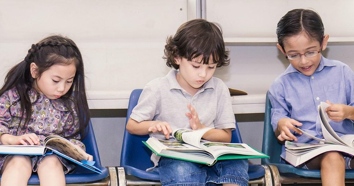 子どもが本好きになる本棚の作り方02