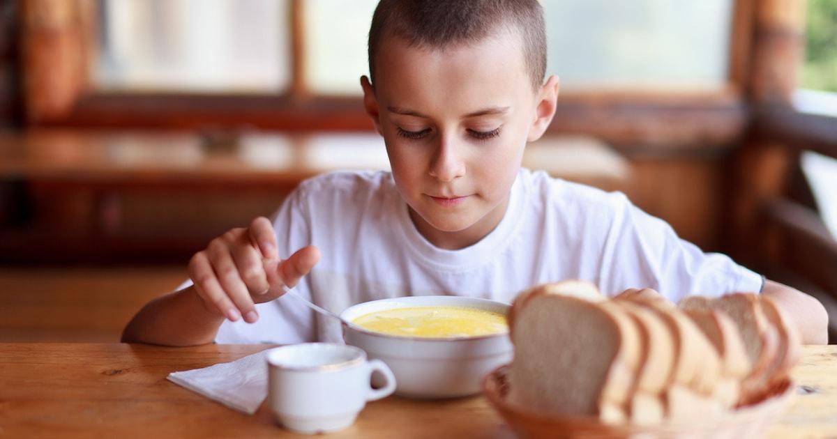 「家族で食事」がものすごく大切な理由。子どもの学力を伸ばすのは親子の対話です