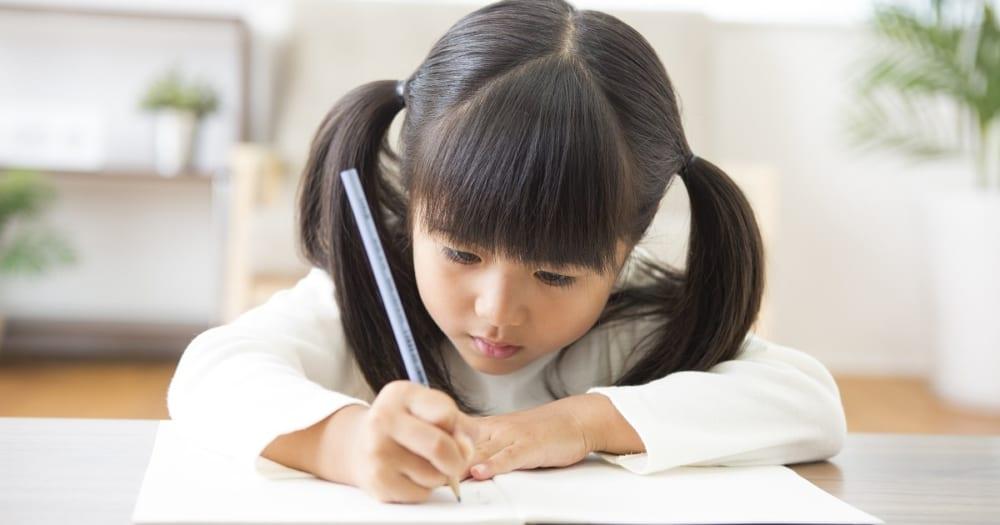 子どもの「知ってるけど、解けない」を防ぐ、家庭での勉強の教え方。